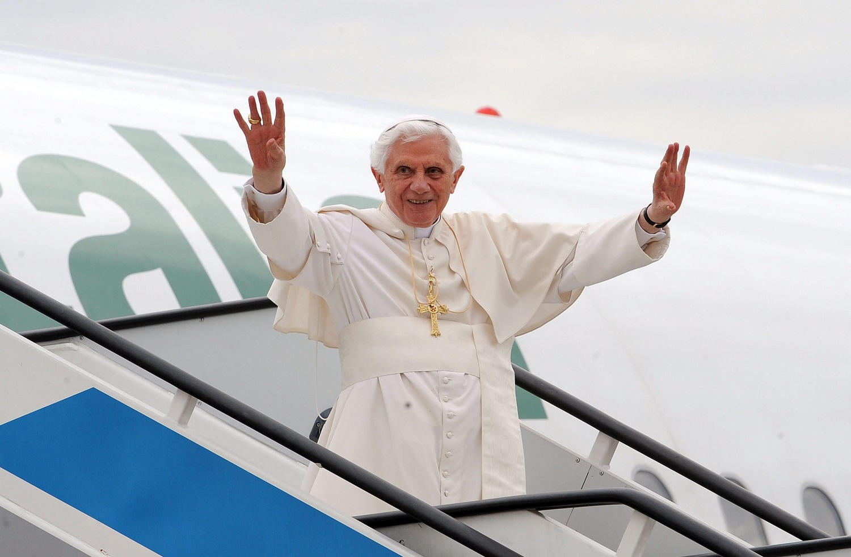 """Vokietijos žiniasklaida: popiežius emeritas Benediktas XVI susirgo, jis yra """"labai silpnas"""""""