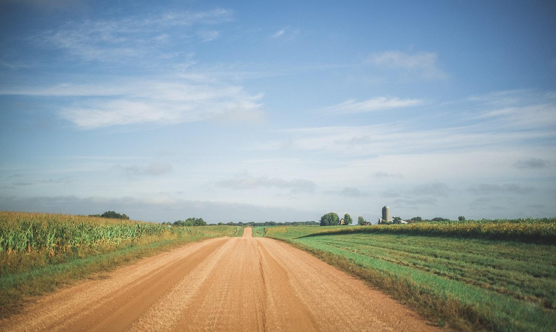 Dulkantys keliai skatina kvėpavimo takų ligas – žvyrkeliuose gausu kietųjų dalelių