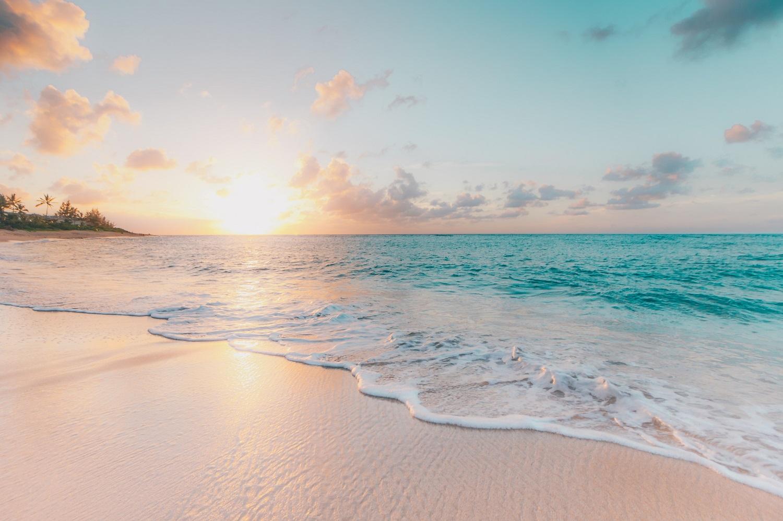 Vaistininkė pataria: kada saulė pavojingiausia, o paplūdimiai turėtų būti tušti