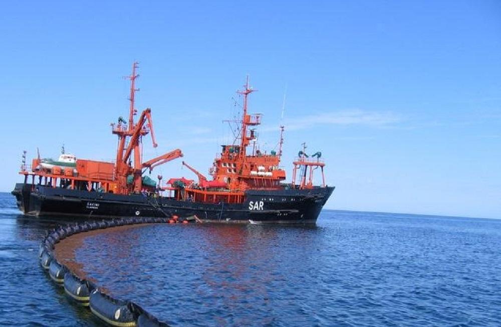 Klaipėdos jūrų uosto direkcija: pačioje uosto akvatorijoje teršalų nėra