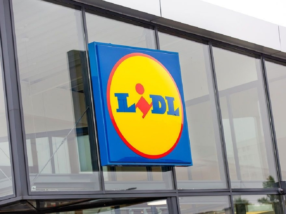 """""""Lidl"""" pradeda prekybą lietuviška spauda: rasite ir """"Savaitė"""" bei """"Namie ir Sode"""" leidinius"""