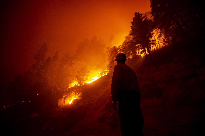 JAV vakaruose siaučiančių gaisrų dūmai jau pasiekė Europą