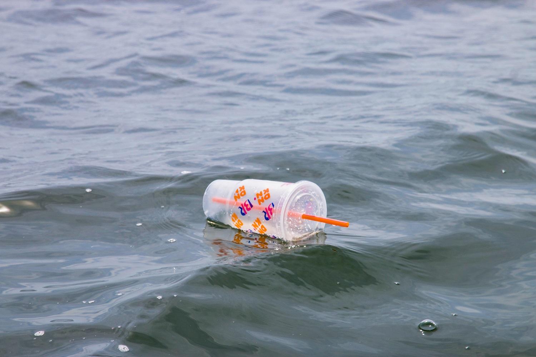 Vokietija iki 2021 metų vidurio uždraus plastikinius šiaudelius