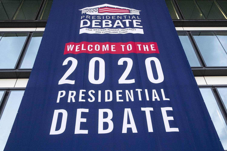 Apklausa: JAV piliečių nuomonės, kas nugalės per pirmuosius D. Trumpo ir J. Bideno debatus, pasiskirstė beveik po lygiai