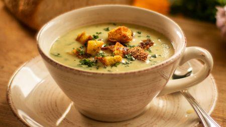 Itališka trintų bulvių sriuba su česnaku (video)