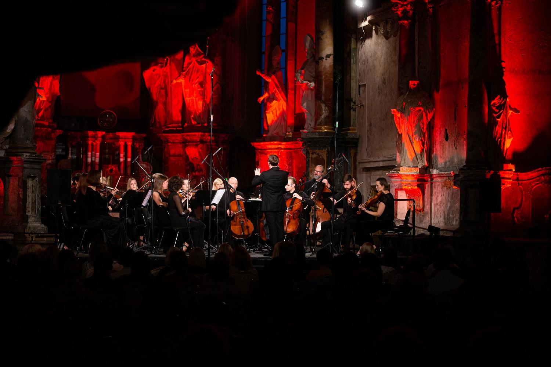Koncertas Čiunei Sugiharai – ypatingas iššūkis Šv. Kristoforo kameriniam orkestrui