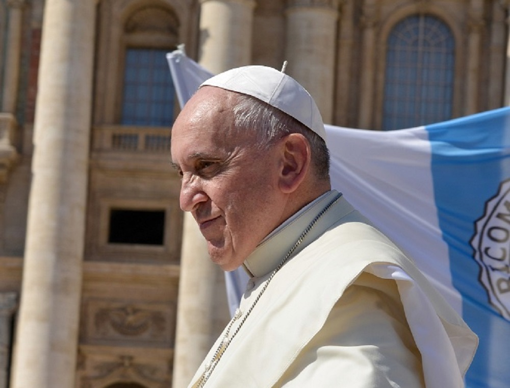 Popiežius išreiškė pritarimą tos pačios lyties asmenų partnerystei