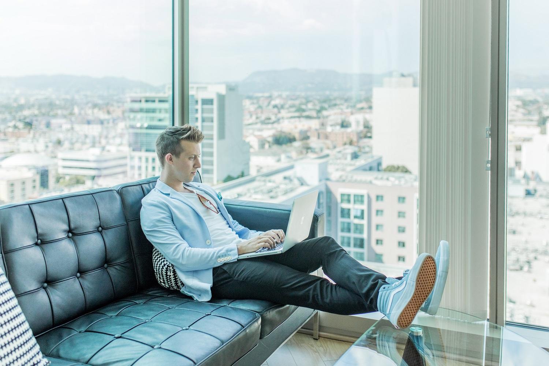 6 žingsniai, kaip spręsti problemą su pardavėju, kilusią apsiperkant internetu