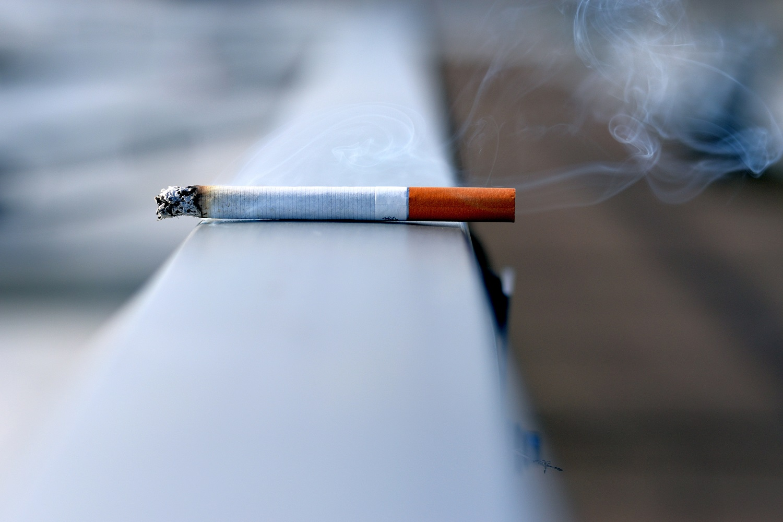 nikotino hipertenzija)