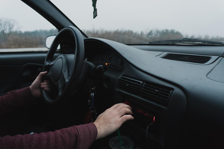 Ekspertai perspėja vairuotojus: prieš žiemą verta susirūpinti, kokiu oru kvėpuojate