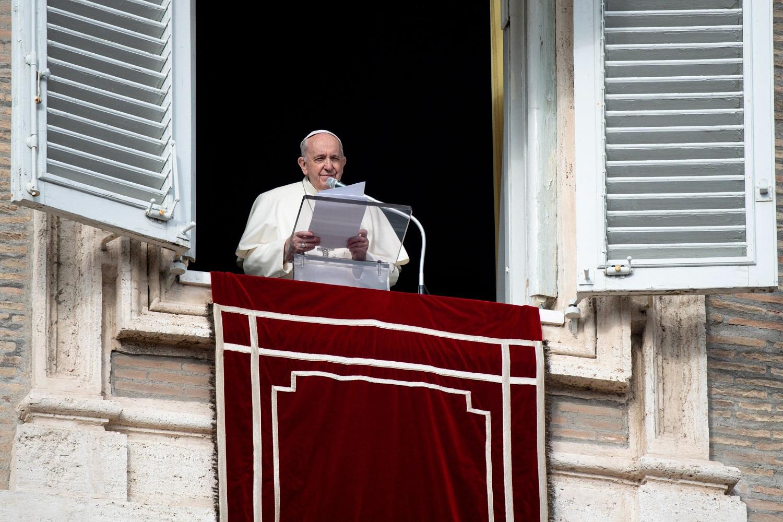 Pandemija koreguoja popiežiaus Pranciškaus planus: atsisakė tradicinės išvykos