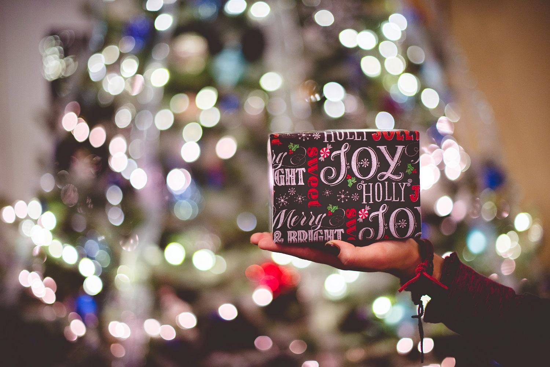 Dovanų gidas taupantiems: įsimintinos dovanos iki 30 eurų – misija įmanoma