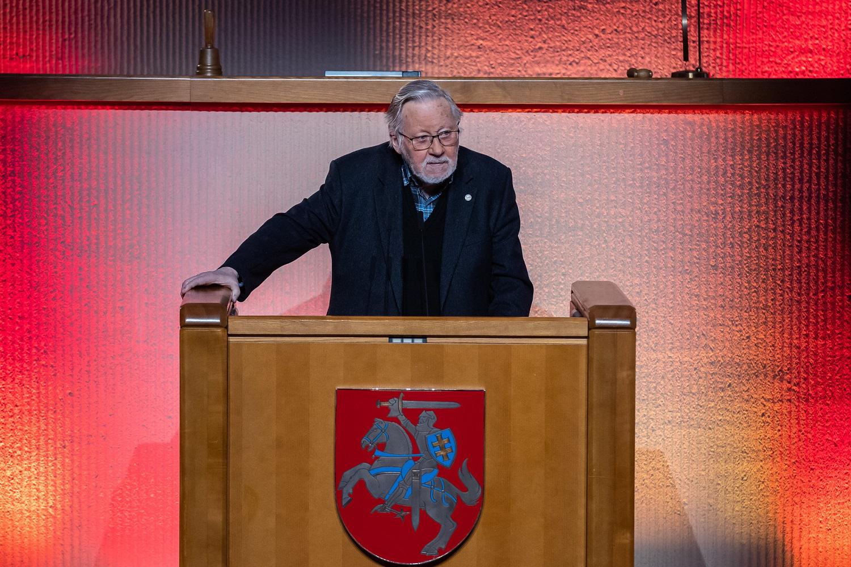 G. Nausėda neabejoja, kad V. Landsbergis de facto ėjo valstybės vadovo pareigas: dėl de jure – šimtaprocentinio aiškumo nėra