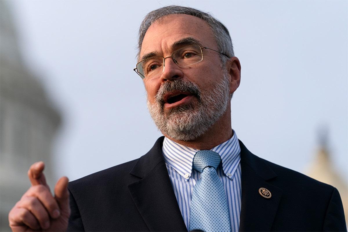 JAV kongresmenas respublikonas mėgino įsinešti pistoletą į posėdžių salę