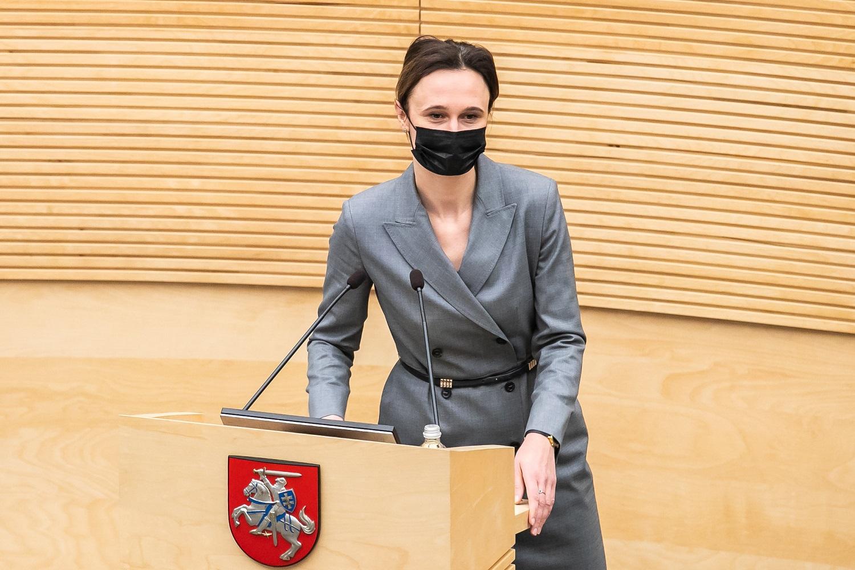 """Seimo pirmininkė: """"valstiečiai"""" pandemijos valdymo planu siekia nukreipti dėmesį nuo neįgyvendintų skambių užmojų"""