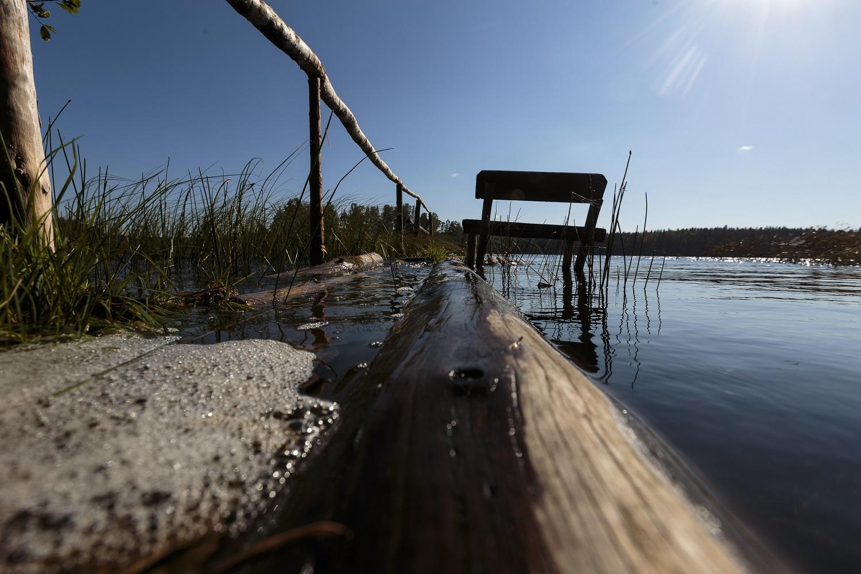 Sieks pažaboti nelegalių tvorų prie ežerų ir upių statytojus:siūlomos 10 kartų didesnės baudos