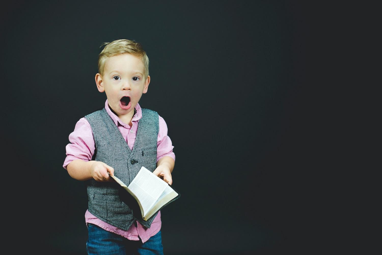 Kodėl vaikai nori, kad tėvai nuolat skaitytų tą pačią knygą?