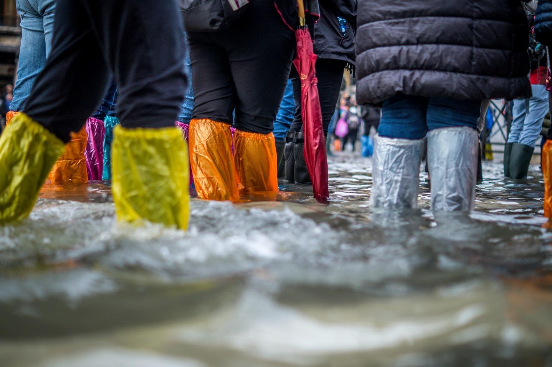 Patarimai, kaip saugiai elgtis potvynio metu