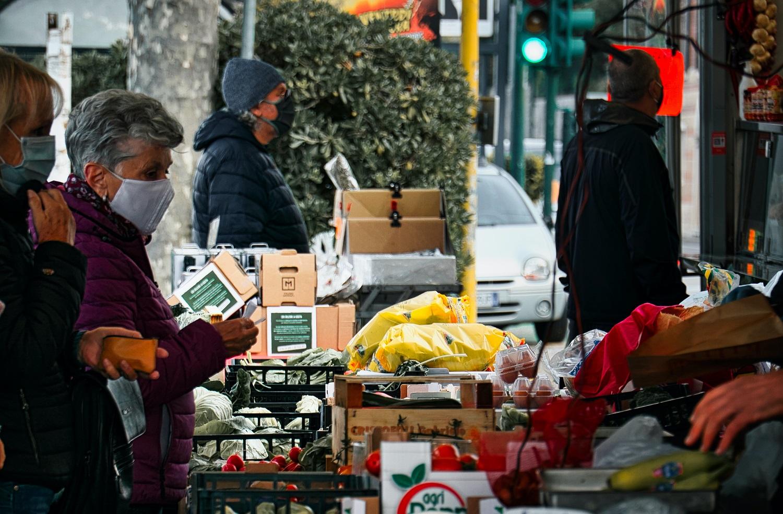 Smulkieji verslininkai: apie 40 proc. prekybininkų, kurie šiuo metu negali vykdyti savo veiklos, bankrutuos