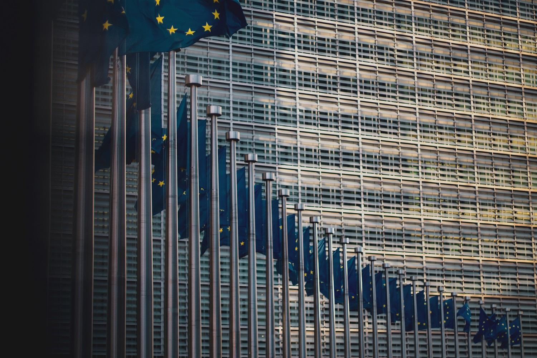 """Europarlamentaras: EP jau birželį gali patvirtinti koronaviruso """"žaliąjį pasą"""""""
