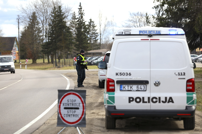 Velykų savaitgalis: policija patikrino šimtus tūkstančių automobilių, COVID-19 nustatytas M.A.M.A. apdovanojimų dalyviams
