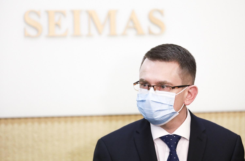 """Ribojimai tarp savivaldybių panaikinti, bet A. Dulkys perspėja: artimiausiu metu visa Lietuva gali tapti """"juodos zonos"""" teritorija"""