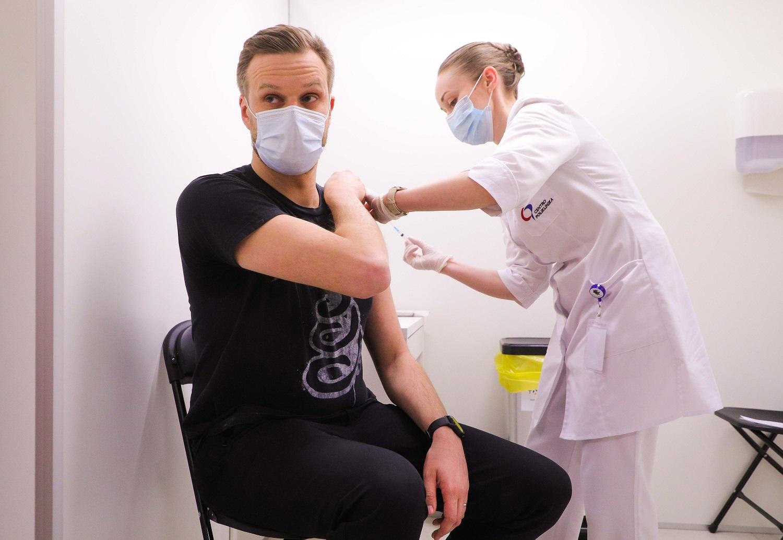 """G. Landsbergis: rusiška """"Sputnik V"""" vakcina yra tuščias reikalas"""
