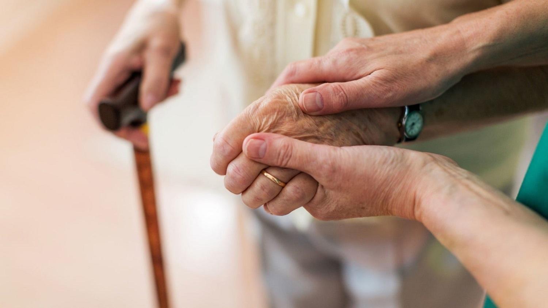 Parkinsono liga sergančius žmones į gyvenimą grąžina pažangios technologijos