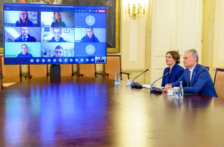 G. Nausėda: savanorystė yra aukščiausia pilietiškumo išraiška sprendžiant vienišumo problemą