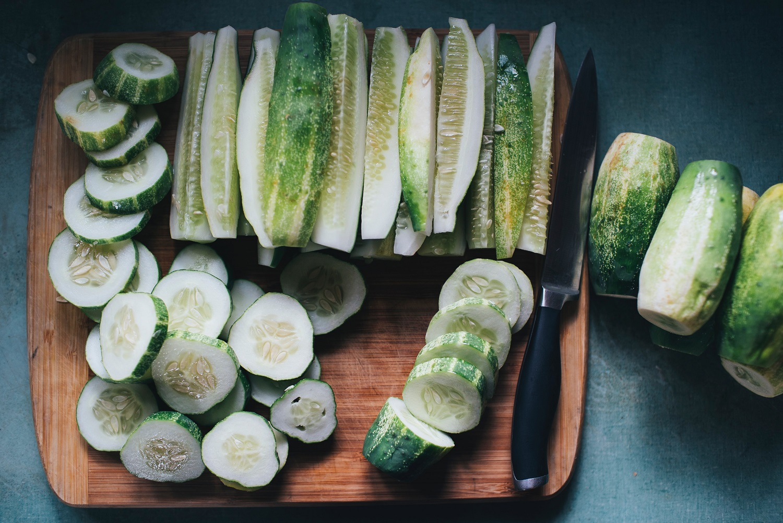 Lengvai parauginti agurkai – pavasariško pietų stalo pažiba (+receptas)