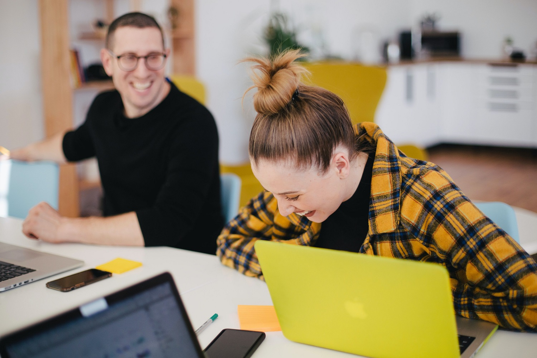 Motyvacija darbe: 3 būdai kaip užtikrinti patrauklias darbo sąlygas šiuolaikiniam darbuotojui