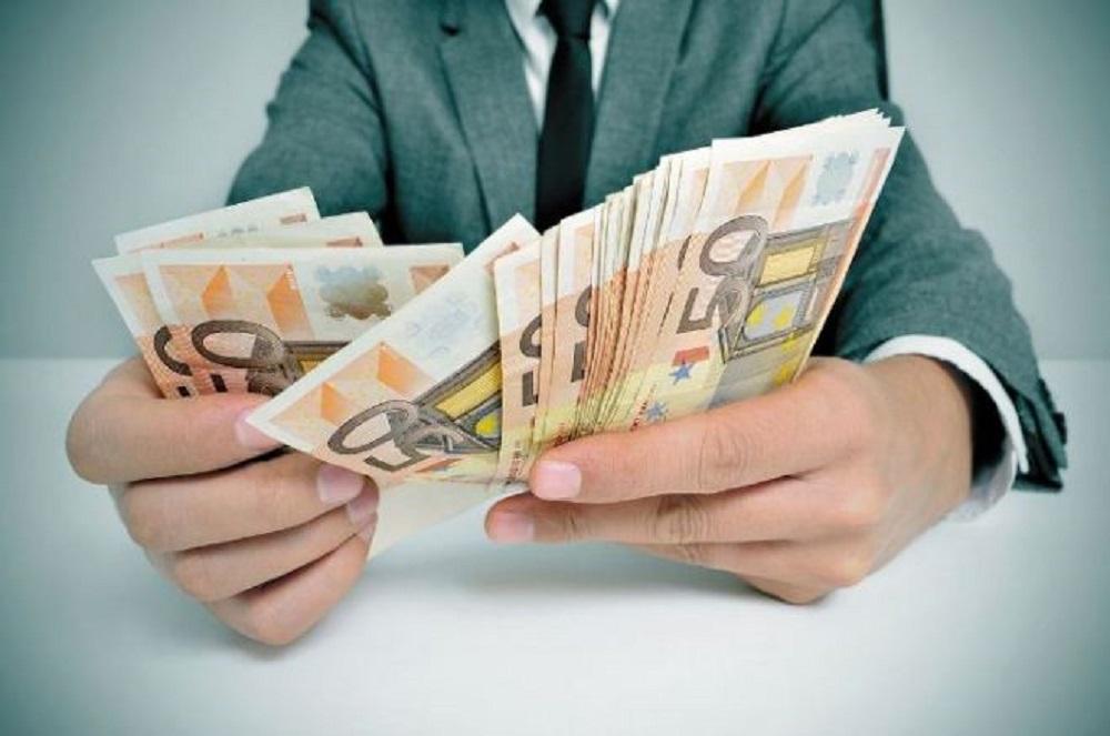 6 sėkmingų žmonių įpročiai, kurie padeda taupyti ir nesukti galvos dėl pinigų