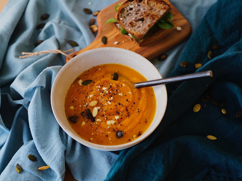 Vasariška gaiva ant jūsų stalo: šaltsriubių receptai