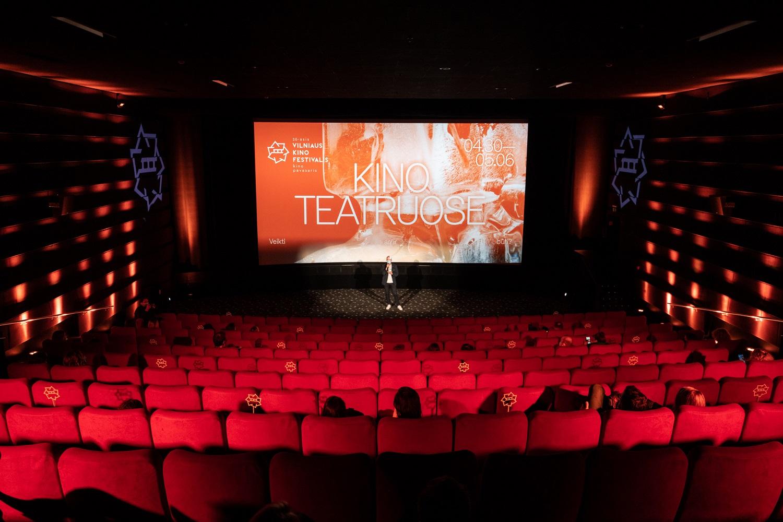 """Festivalis """"Kino pavasaris"""" kino teatruose artėja į pabaigą: filmų premjeros ir kino pasiilgę žmonės"""