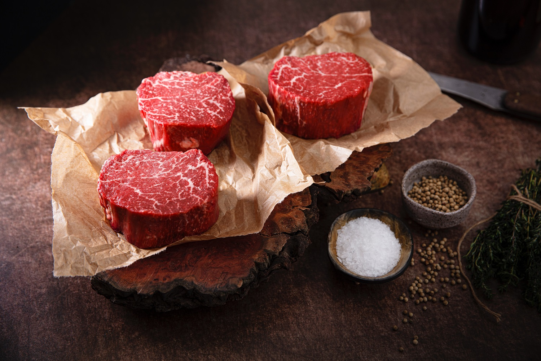 Netikėti mėsos marinatai pavasariškiems kepiniams