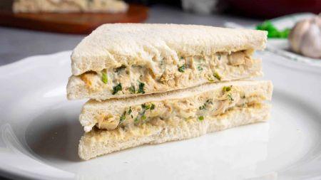 Sotūs sumuštiniai su vištiena ir kreminiu sūriu (video)