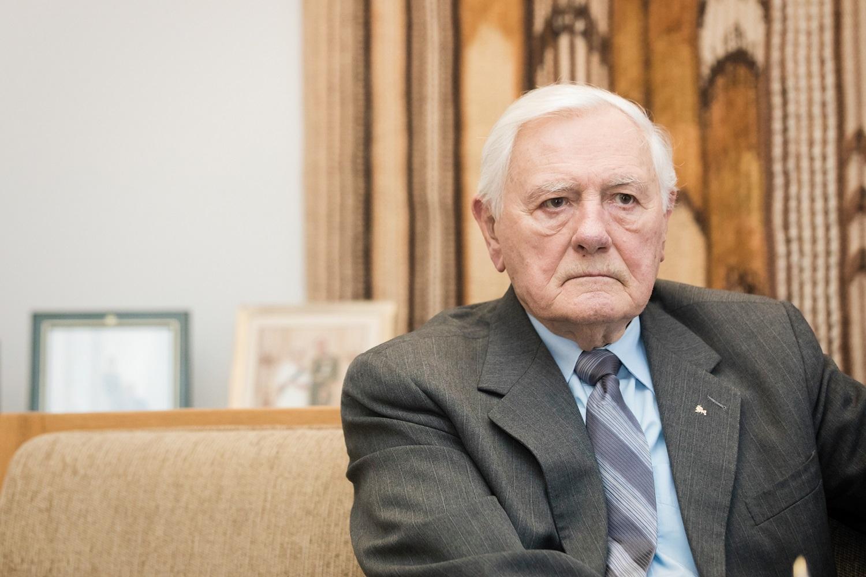 G. Nausėdos komanda sumenkino Baltarusijos kreipimąsi dėl V. Adamkaus: politikavimas bandant nukreipti dėmesį