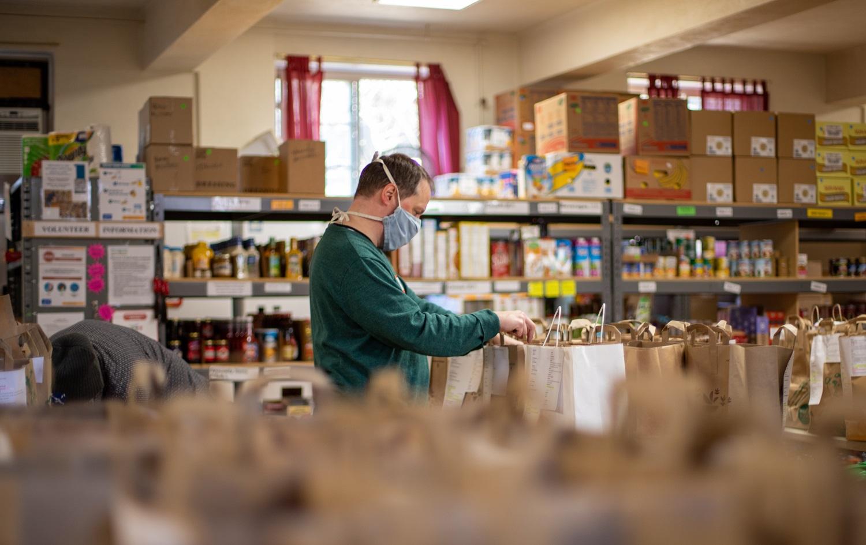Tūkstančiams nepasiturinčiųjų – parama maisto produktais ir higienos prekėmis