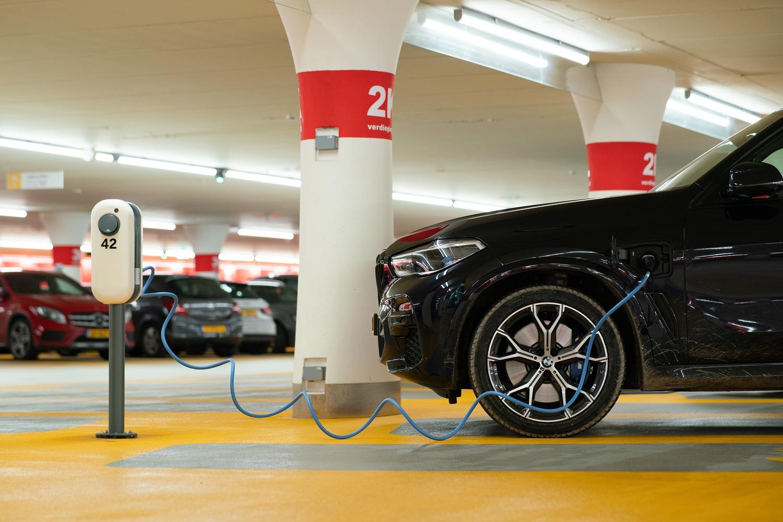 Rengiamasi sparčiai elektromobilumo plėtrai Lietuvoje