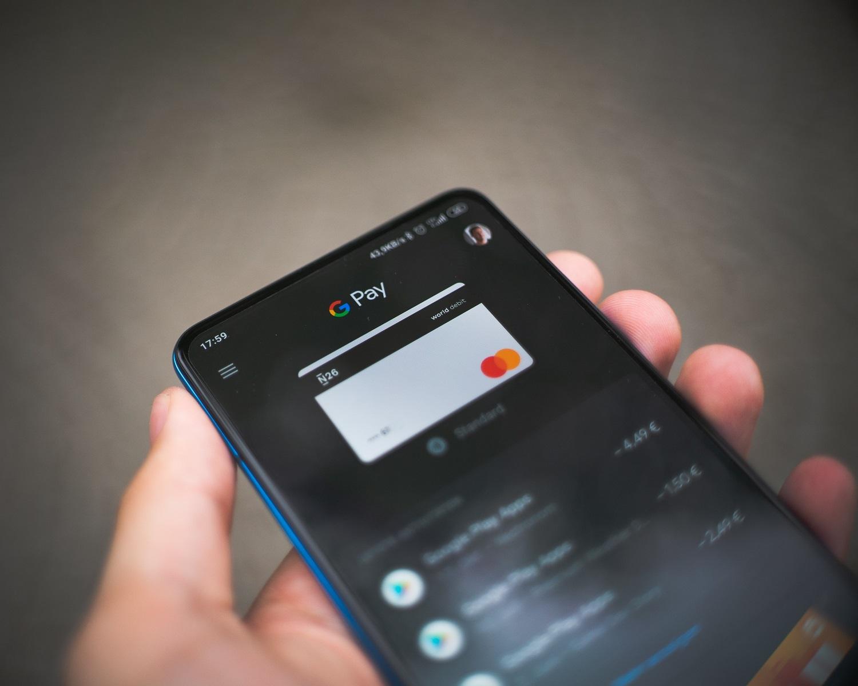 Kaip išvengti sukčiavimo atliekant mokėjimus internetu?