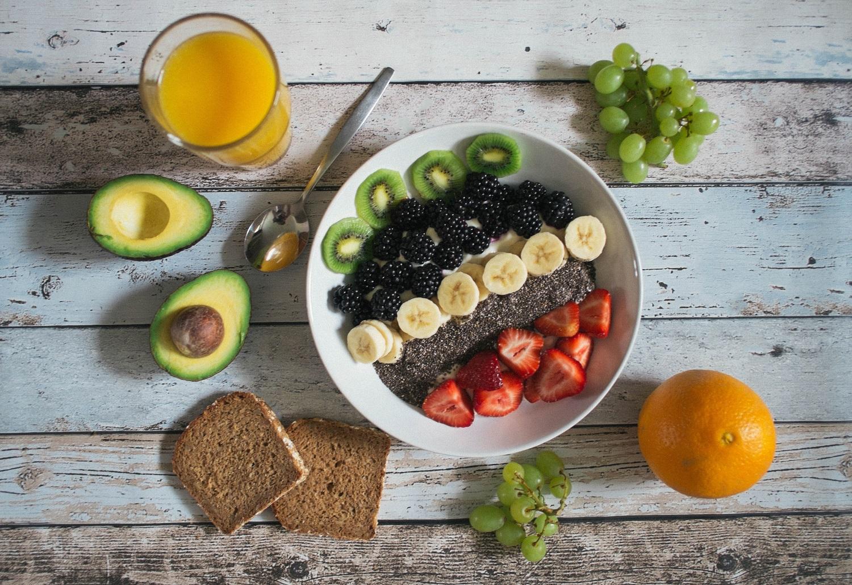 Kokius vitaminus reiktų rinktis vasarą?
