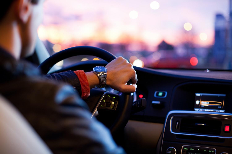 Pavežėjams numatoma taikyti nulio promilių reikalavimą