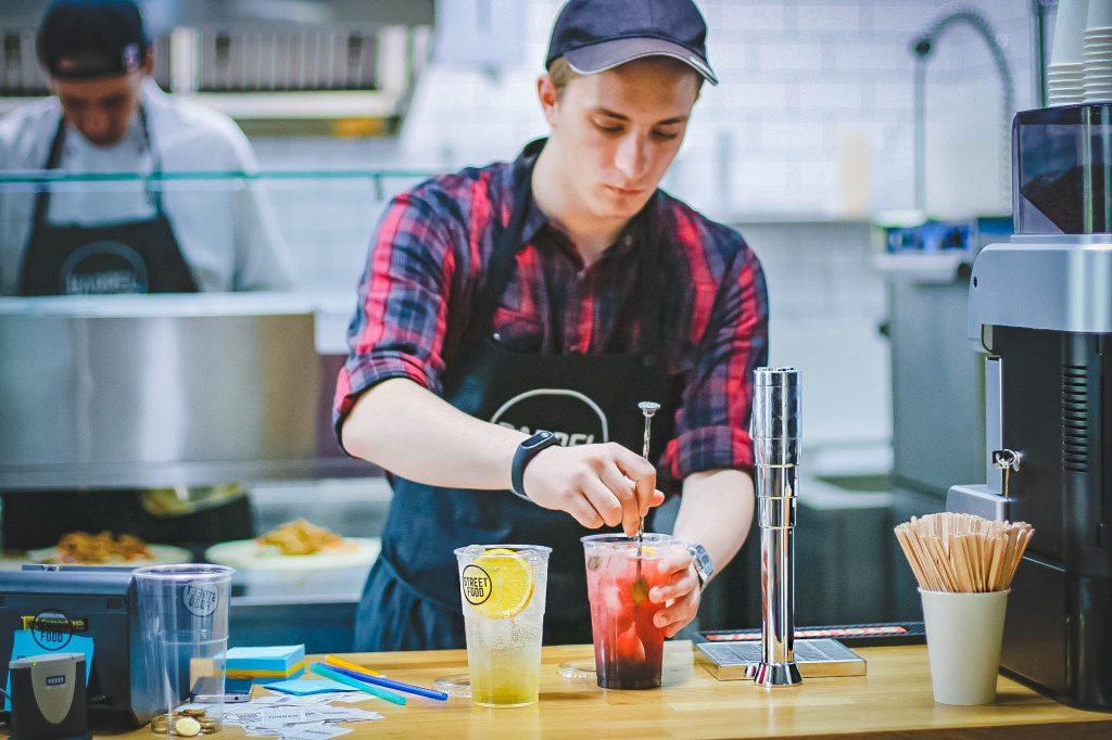 Psichologė: darbas vasaros metu paaugliui gali tapti puikiu startu į profesiją