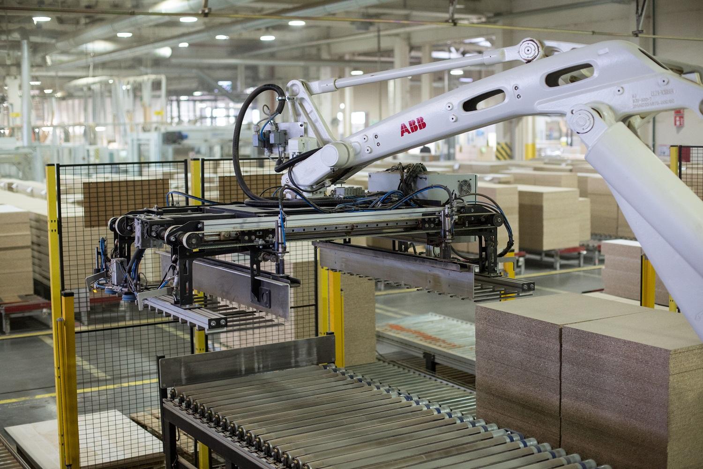 Dauguma lietuvių nesibaimina prarasti darbo vietų dėl robotų