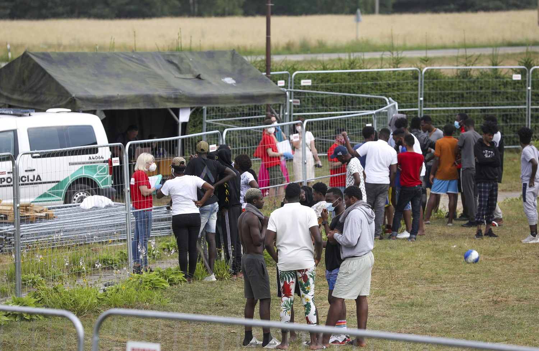 Nelegalūs migrantai nori likti Lietuvoje: bėgome nuo Lukašenkos diktatūros ir rasizmo