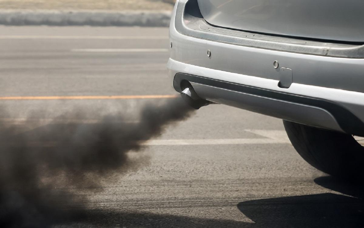 Siūloma dar iki 2035 m. atsisakyti dyzelinių ir benzininių automobilių