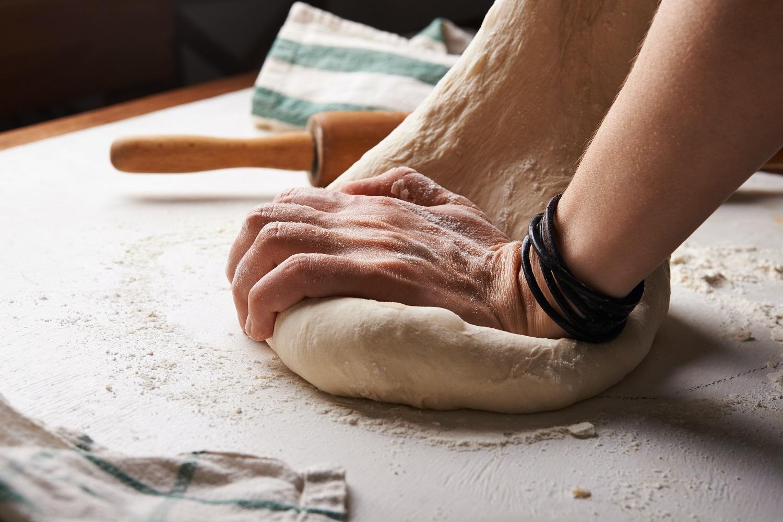 Lietuviai grįžta prie tradicijų ir duoną vis dažniau kepa namuose: kaip pasiekti tobulo rezultato?