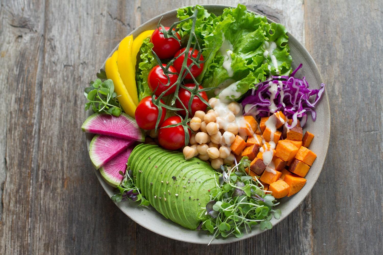 Ekspertė pataria, kokį maistą turėtume valgyti, kad padidintume savo ištvermę