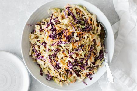 Gaivios kopūstų ir morkų salotos – puikus garnyras prie kepsnių (video)
