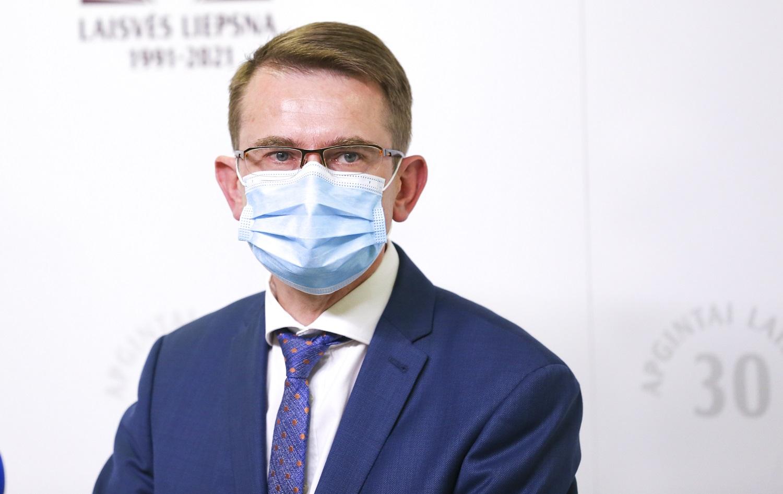 Epidemiologinę situaciją įvertinęs A. Dulkys: laikas Vyriausybei kalbėtis apie naujas priemones